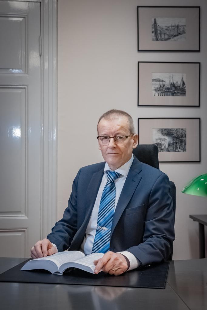 Asianajaja, osakas, OTL, varatuomari Risto Tuori